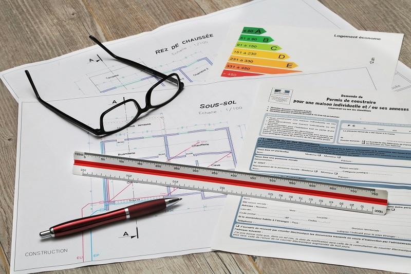 Permisos y certificaciones de obra en Barcelona: ¿a qué estoy obligado?