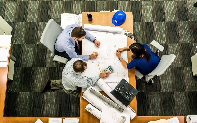 Renueva las oficinas de un edificio con una reforma integral